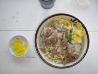 沖縄 浜屋そば (軟骨ソーキ)